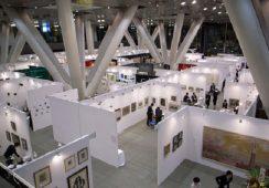 Czy targi sztuki stanowią zagrożenie dla domów aukcyjnych?