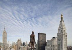Ludzkie rzeźby Antonego Gormleya