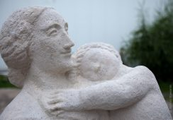 Rzeźba Aliny Szapocznikow wraca na Żoliborz