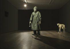 Intrygująca wystawa Kuby Bąkowskiego w Budapeszcie