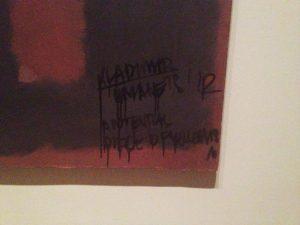 Napisy na obrazie M. Rothko, źrodło: bbc.co.uk