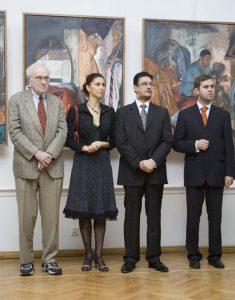 Donald  Kuspit w czasie otwarcia wystawy (po lewej), źródło: art.blox.pl