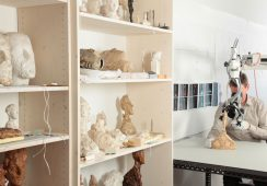 Praca nad gipsami A. Giacomettiego, Źródło:Kunsthaus Zürich