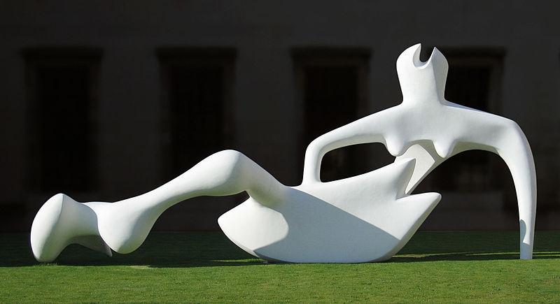 Henry Moore, Reclining Figure, 1951 źródło: Henry Moore Foundation