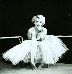 Marilyn Monroe w sukni baletowej, Źródło: Desa Unicum