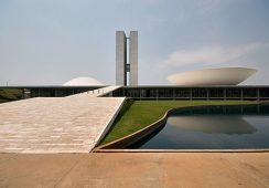 Zmarł wybitny, światowej sławy architekt Oscar Niemeyer