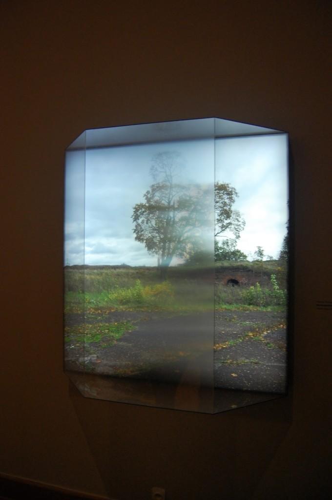 Projekt lightbox'ów Nicholasa Grosspierre'a przedstawiające fotografie rodzinnego miasta malarza, Dźwińska, fot. Paulina Barysz