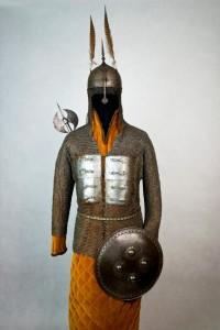 Pancerz indo-perski z przełomu XVI/XVII wieku,  cena wywoławcza: 42 000 złotych, sprzedany w 2013 roku za 54 000 złotych,  źródło: altius.com