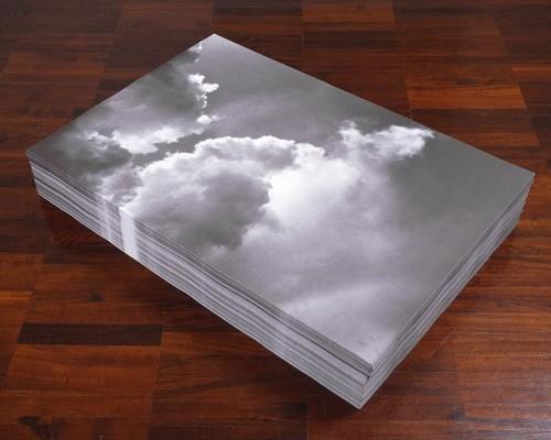 Felix Gonzalez-Torres, Untitled (Aparicion), źródło: sothebys.com