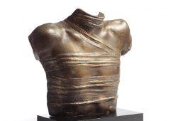 Rzeźba modernistyczna i współczesna na aukcji