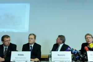 Niemieccy urzędnicy: (od lewej) Bernhard Haller, Siegfried Kloeble, Reinhard Nemetz, Meike Hoffmann podczas wtorkowej konferencji prasowej w Augsburgu. Fot. Christof Stache