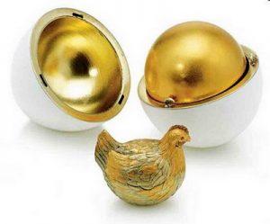 """Faberge; """"Jajko z kurką""""; źródło: faberge.com"""