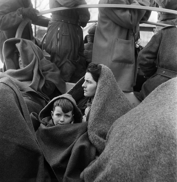 Ed van Wijk – Ci, którzy przeżyli powódź 1953 roku (1953), źródło: Netherlands Museum for Photography