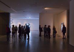 """Fotorelacja z otwarcia wystawy """"Rzeźby, obrazy, filmy"""" Juliana Opiego w Muzeum Sztuki Współczesnej MOCAK"""