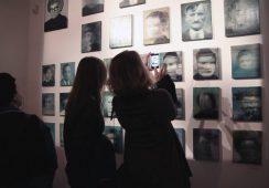 """Fotorelacja z wernisażu wystawy Arkadiusza Andrejkowa – """"Zimne powinowactwo"""""""