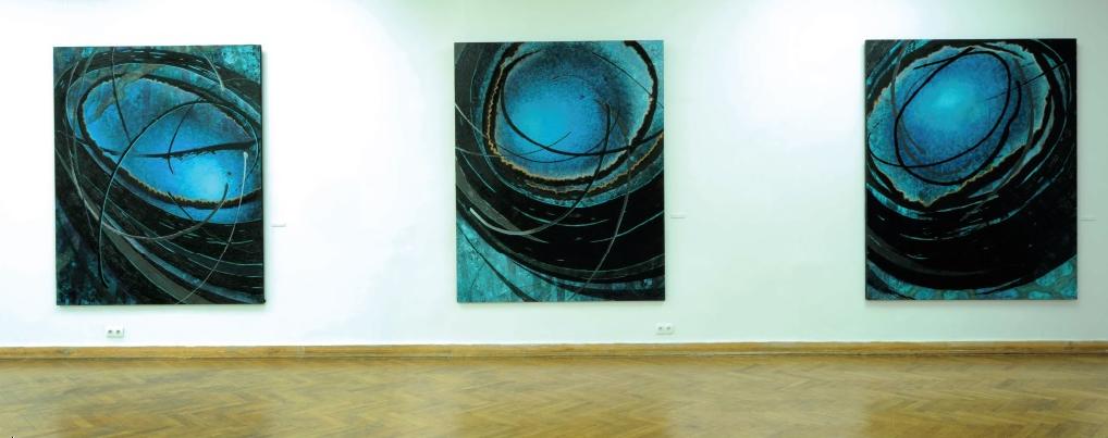 Suehisa Toshiko, cykl Niebieska bibuła, 2012, technika olejna na płótnie, 3 x 221 x 182 cm