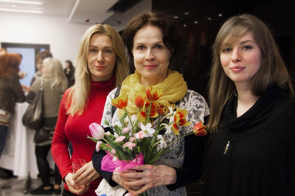 3 od lewej Milena Marciniak, Małgorzata Niemen, Monika Ney