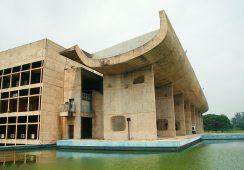 Wystawa twórczości Le Corbusiera w Centrum Pompidou