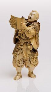 Figura samuraja - kimono, Japonia, początek XX w., kość słoniowa_0906