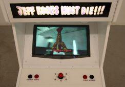 """Jeff Koons musi umrzeć, czyli wojna na sztukę w ramach wystawy """"Fire and Forget. The Violence"""" w Berlinie"""
