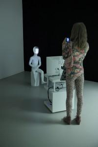 """Wnętrze salonu wystaw """"Bestregarts"""" we Frankfurcie nad Menem, fot. Ewa Nowik"""