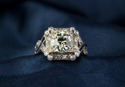 Aukcja Biżuterii w DESIE Unicum