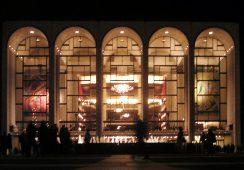 Co stanie się z wielkoformatowymi pracami Marca Chagalla w The Met?
