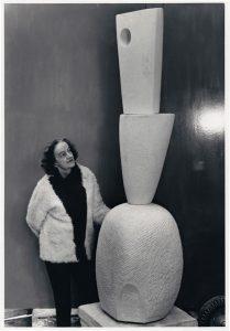 Barbara Hepworth, ok. 1967