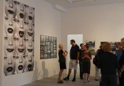 """Wystawa """"Procedery sztuki lat 70."""" w Fundacji Profile – fotorelacja"""