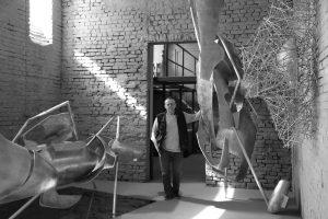 Zdjęcie Krzysztof M.Bednarski, Krzysztof M.Bednarski w swoim warszawskim studio