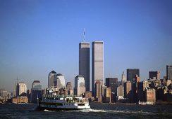 """""""SEPTERMBER 11. World Trade Centre NOWY JORK – PRZED I PO """" – wystawa fotografii Czesława Czaplińskiego"""