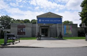 Hyde Collection, widok od frontu