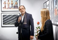 """Fotografie Chrisa Niedenthala """"Sportografie"""" – fotorelacja z wystawy"""