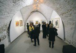 """Fotorelacja z wystawy """"Gazetowe obrazki"""" Marka Starzyka – otwartej do 23 lutego w Galerii Miejskiej we Wrocławiu"""