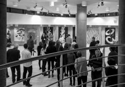 """""""Z dala od zgiełku"""" – relacja z wystawy Janiny Wierusz Kowalskiej w Galerii (-1)"""