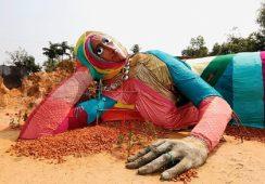 Monumentalna rzeźba Pawła Althamera stanęła w Bangladeszu