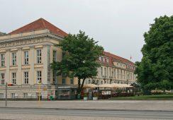 Ponad 50-tysięczna kolekcja sztuki Deutsche Banku wystawiona w nowym miejscu