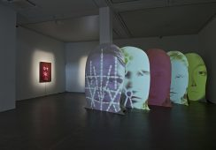 JTony Oursler, Courtesy, Galerie Hans Mayer