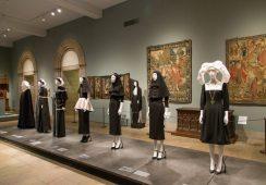 Najbardziej popularna ekspozycja w historii Instytutu Kostiumografii w Metropolitan Museum of Art