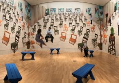 David Hockney, Chairs, 2014 - rynekisztuka.pl