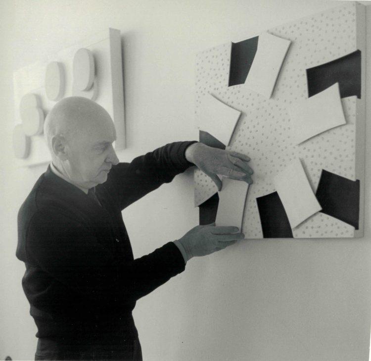 Henryk Stażewski, zdjęcie pochodzi z Archiwum Galerii Foksal - materiały prasowe Piękna Gallery - rynekiszuka.pl
