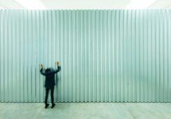 Gorąca instalacja Mirosława Bałki w White Cube w Londynie