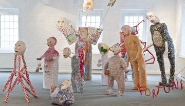 1. figury, 2008-2012, papier, drut, farba, materiały różne