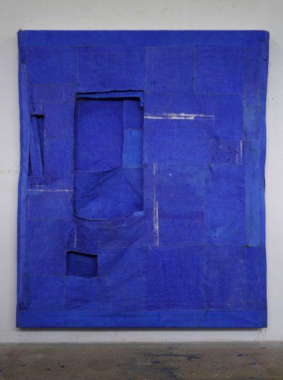 Simon Callery Purfleet Blue Flat Painting, 2018 canvas, distemper, wood, thread, pencil and aluminium rail 239 x 200 x 14 cm Courtesy the artist and annex14, Zurich, Targi Sztuki Artissima